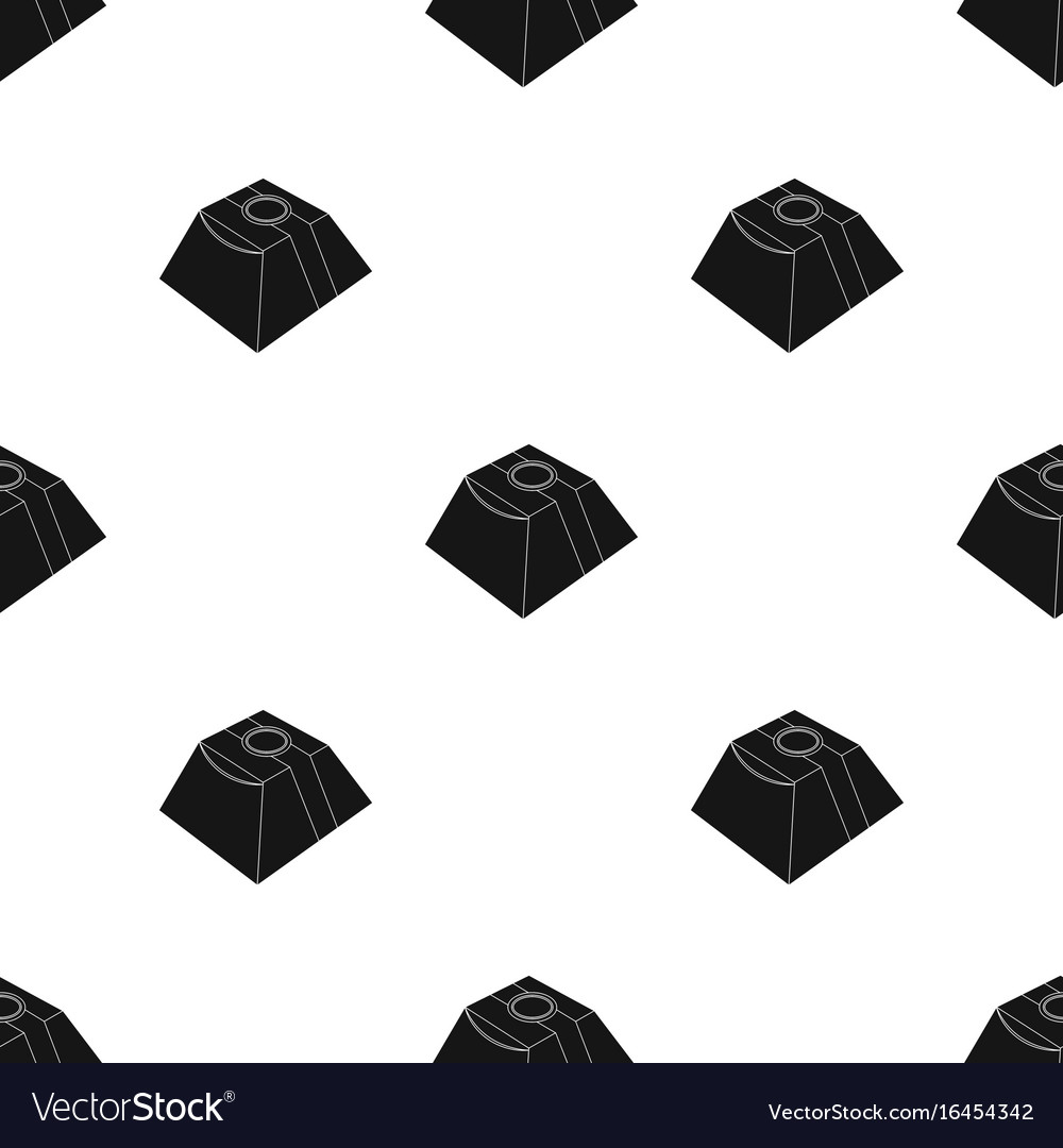 Gift in the form of a pyramid gift wrap on