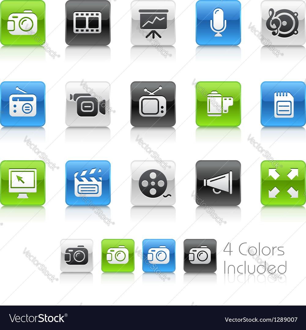 Multimedia Clean Series