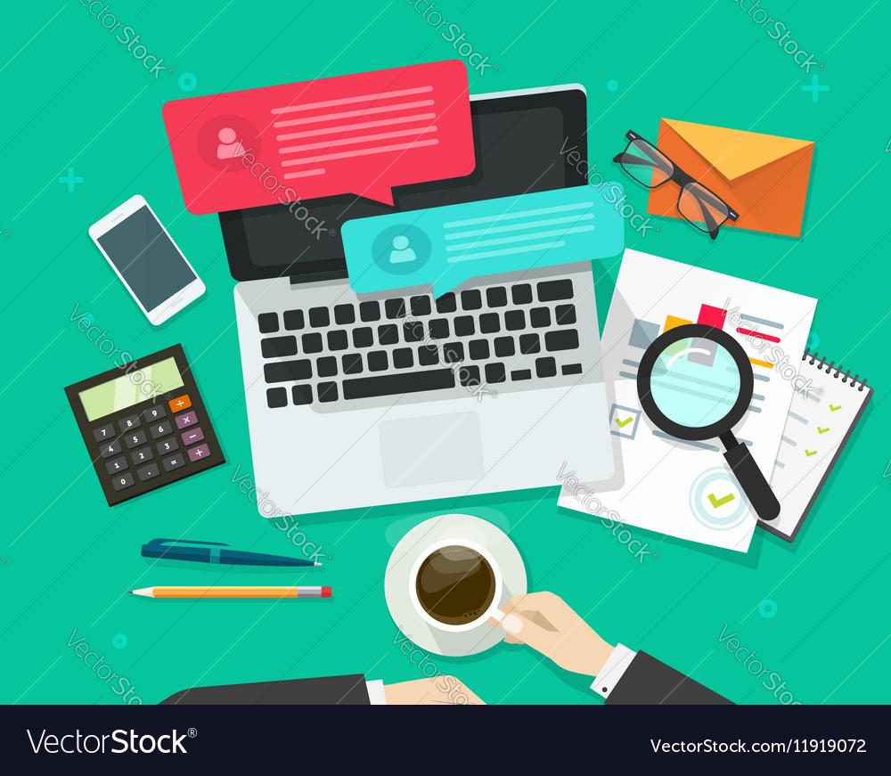 Social media marketing analysing online dialog