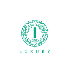 i letter logo luxurybeauty cosmetics logo vector image