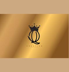 Letter q linked monogram crown king logotype vector