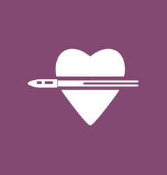 Icon bullet wounded the heart vector