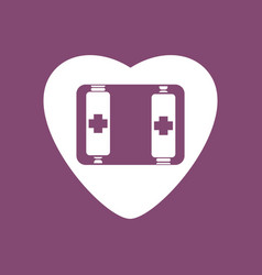 Icon heart with battery vector