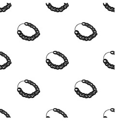 Jewellery chain icon in black style isolated on vector