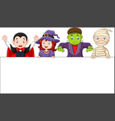 Cartoon kids with halloween costume with blank sig vector